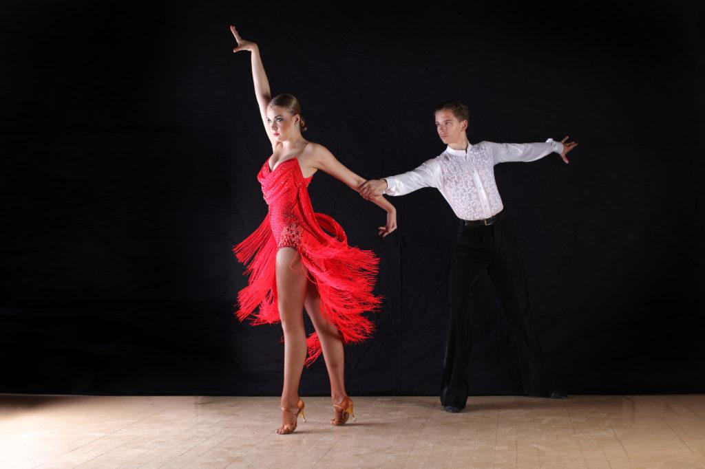 Danses de couple, rock, tango, valse mariage, ouverture de bal, danse entreprise, bordeaux, libpurne, gradignan, pessac, talence.