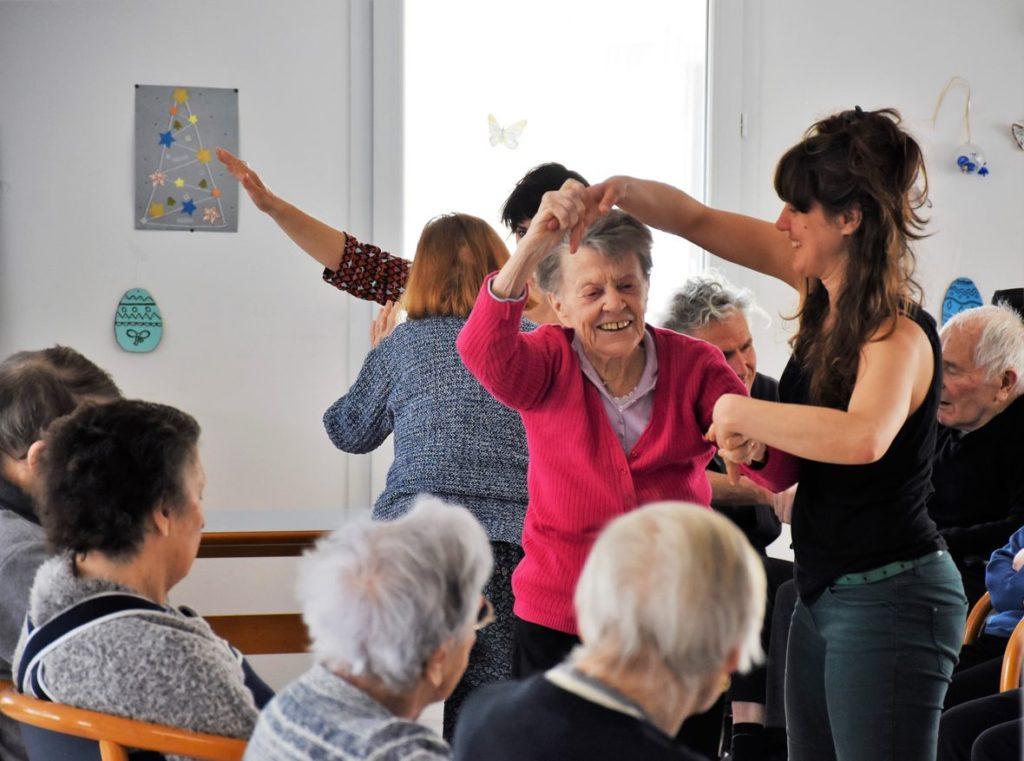 Cours de danse en ehpad à Bordeaux Libourne
