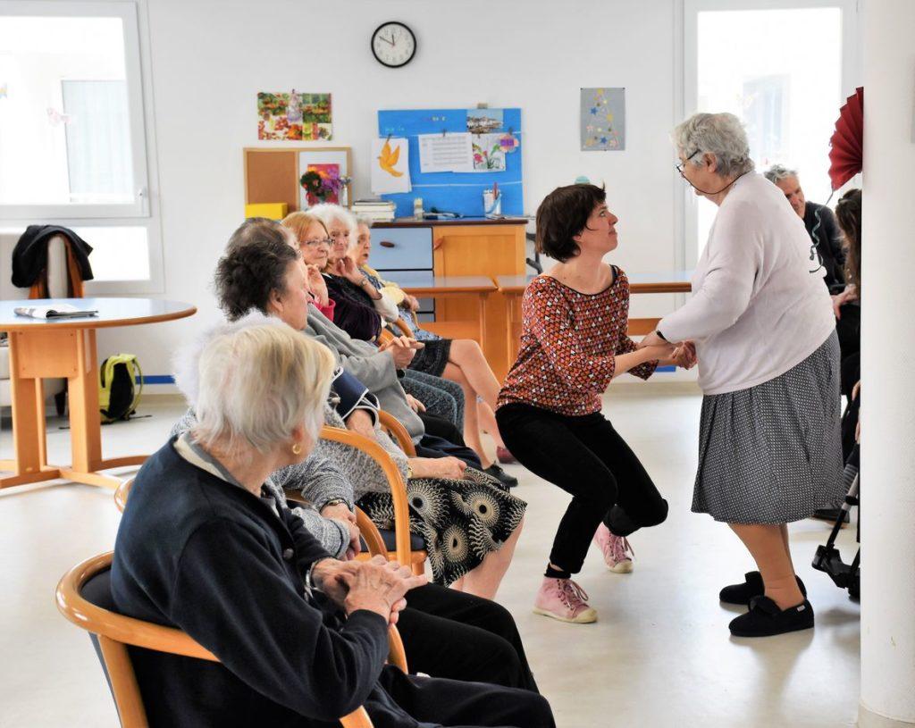 danse de salon en EHPAD à Bordeaux, cours de danse pour résidents d'EHPAD à bordeaux, mérignac, bruges, talence, pessac, bouliac, professeur de danse diplomés