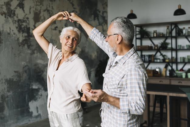Danse de salon de 50 à 95 ans à domicile Bordeaux