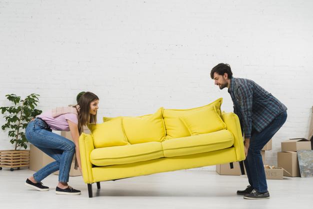 Danser à domicile, pousser votre canapé.