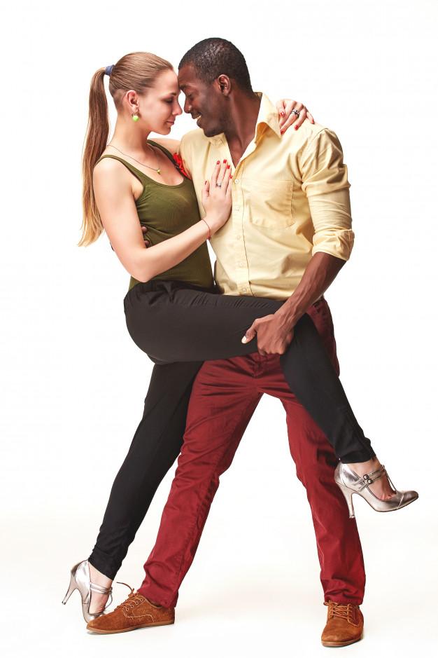 Danse animation, danse initiaton, danse mariage, ouverture de bal talence, gradignan, bruges. danse seniors, danse en entreprise. professeurs de danse diplômé.
