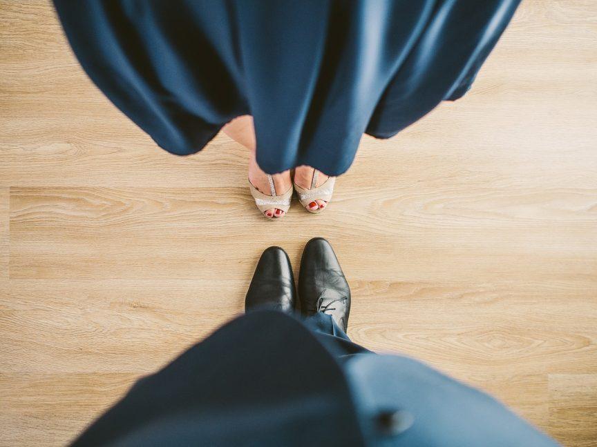 Cours de valse à domicile, valse mariage, cours de valse mariage, apprennez à danser la vasle pour votre mariage ou tout autre événement. La soirée de mariage commence toujours par des valses, que ce soit par une ouverture de bal de mariage ou la valse avec papa, cette danse reste un intemporel ! danse animation danse mariage, danse entreprise avec viladanse et nos professeurs de danse.
