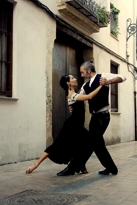 Tango, cours de danse à domicile pour tous les niveaux